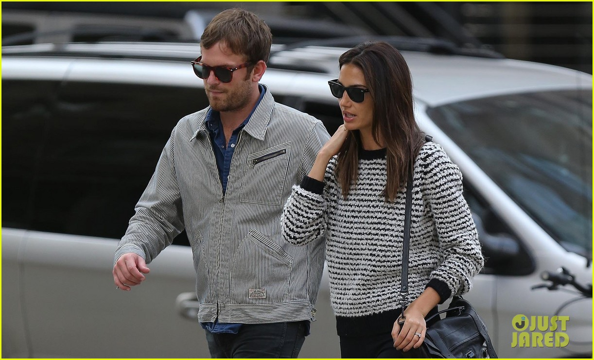 lily aldridge caleb followill stroll through tribeca 022973650
