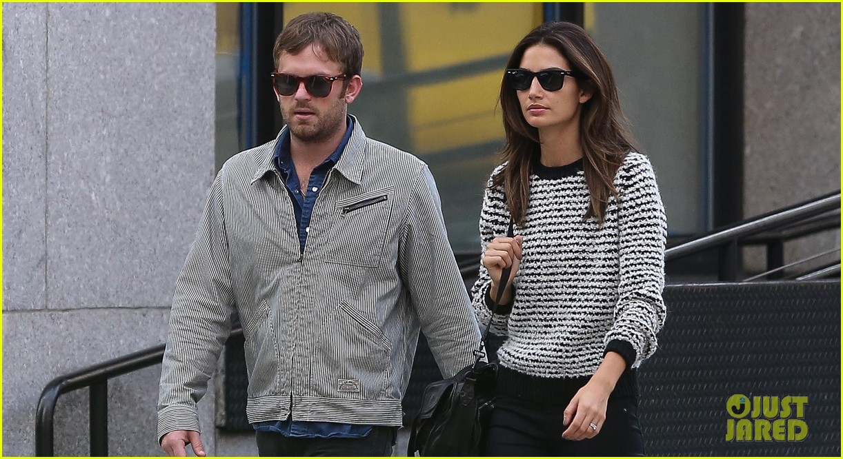 lily aldridge caleb followill stroll through tribeca 03