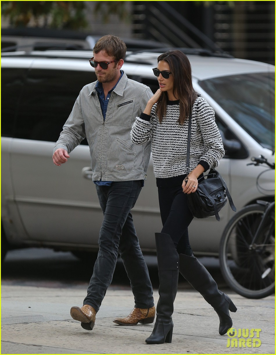 lily aldridge caleb followill stroll through tribeca 042973652