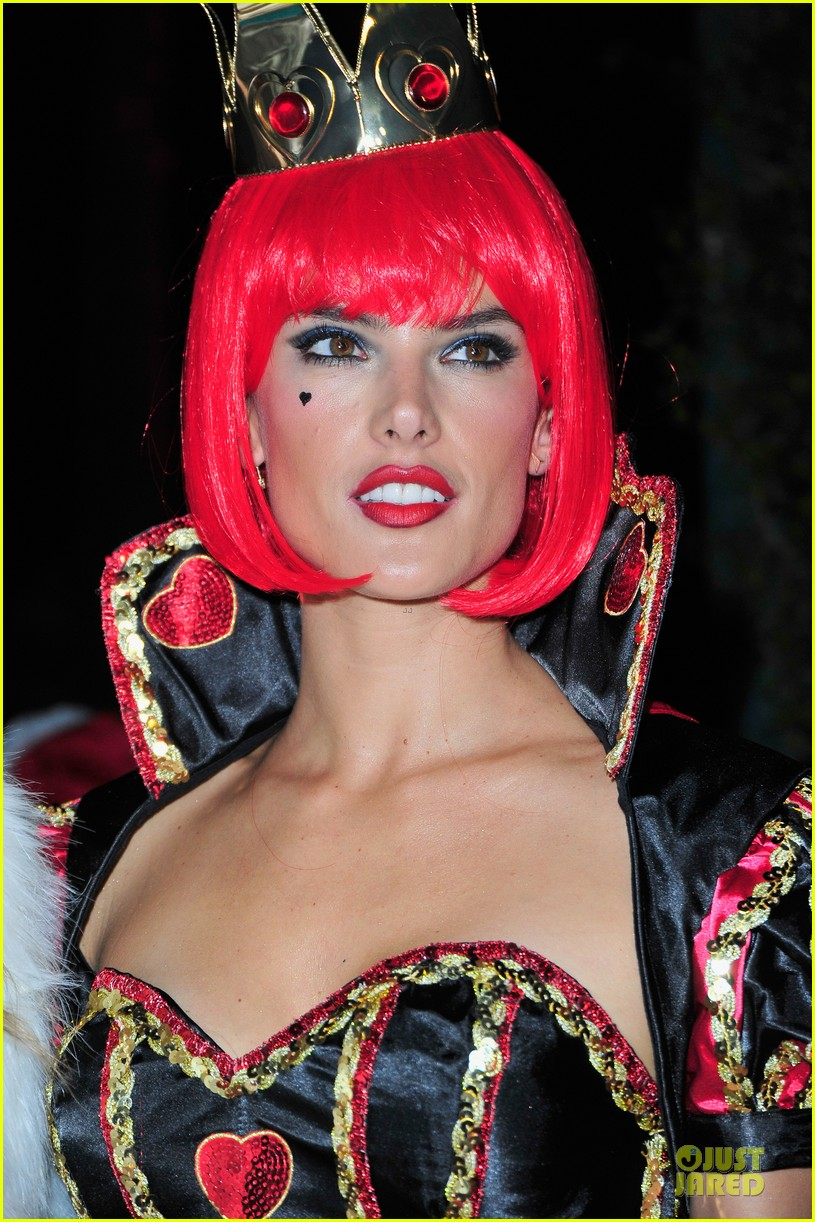 alessandra ambrosio queen of hearts alice in wonderland costume 022979821