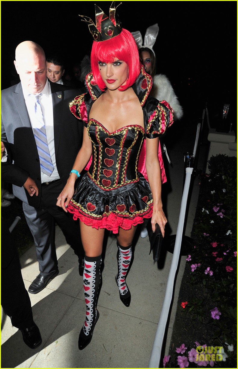 alessandra ambrosio queen of hearts alice in wonderland costume 082979827