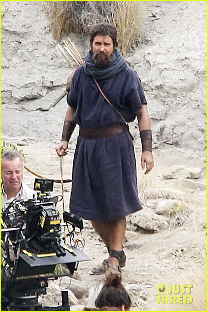 christian bale rocks beard wears tunic for exodus 072977063