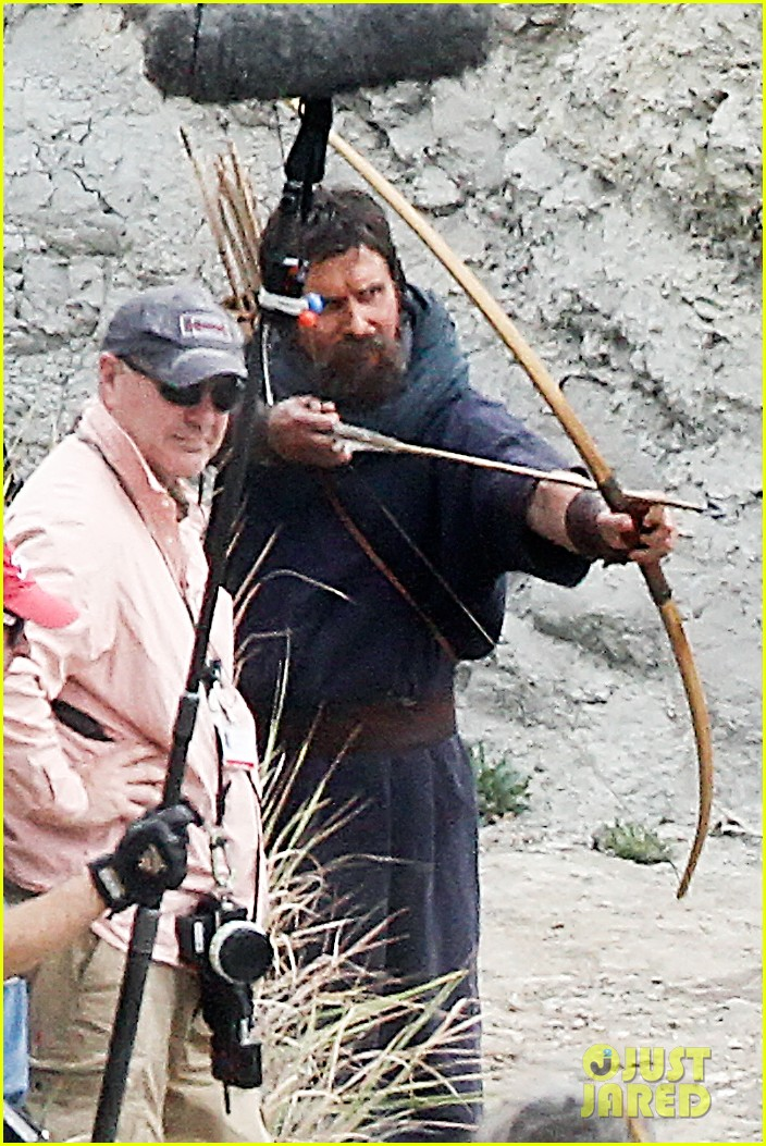 christian bale rocks beard wears tunic for exodus 092977065