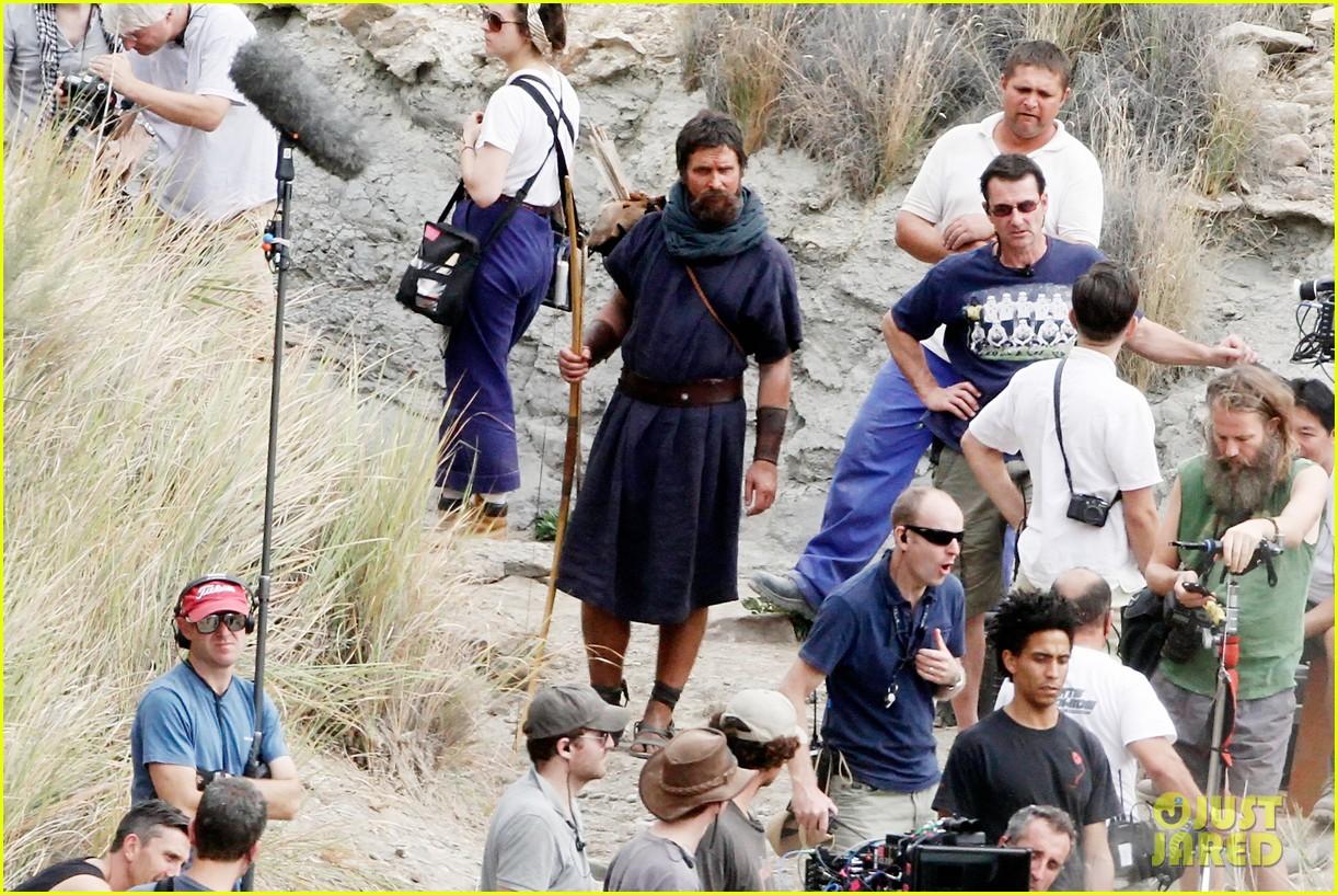christian bale rocks beard wears tunic for exodus 142977070