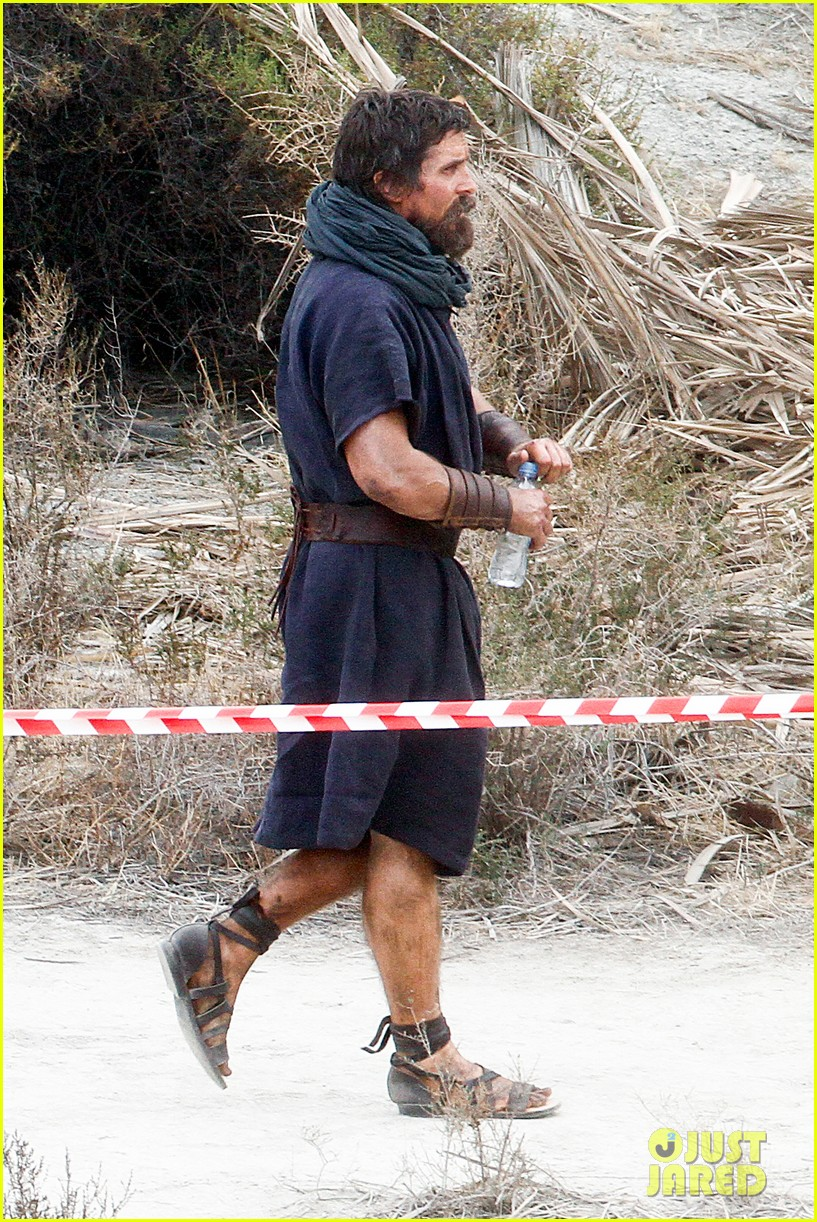 christian bale rocks beard wears tunic for exodus 192977075