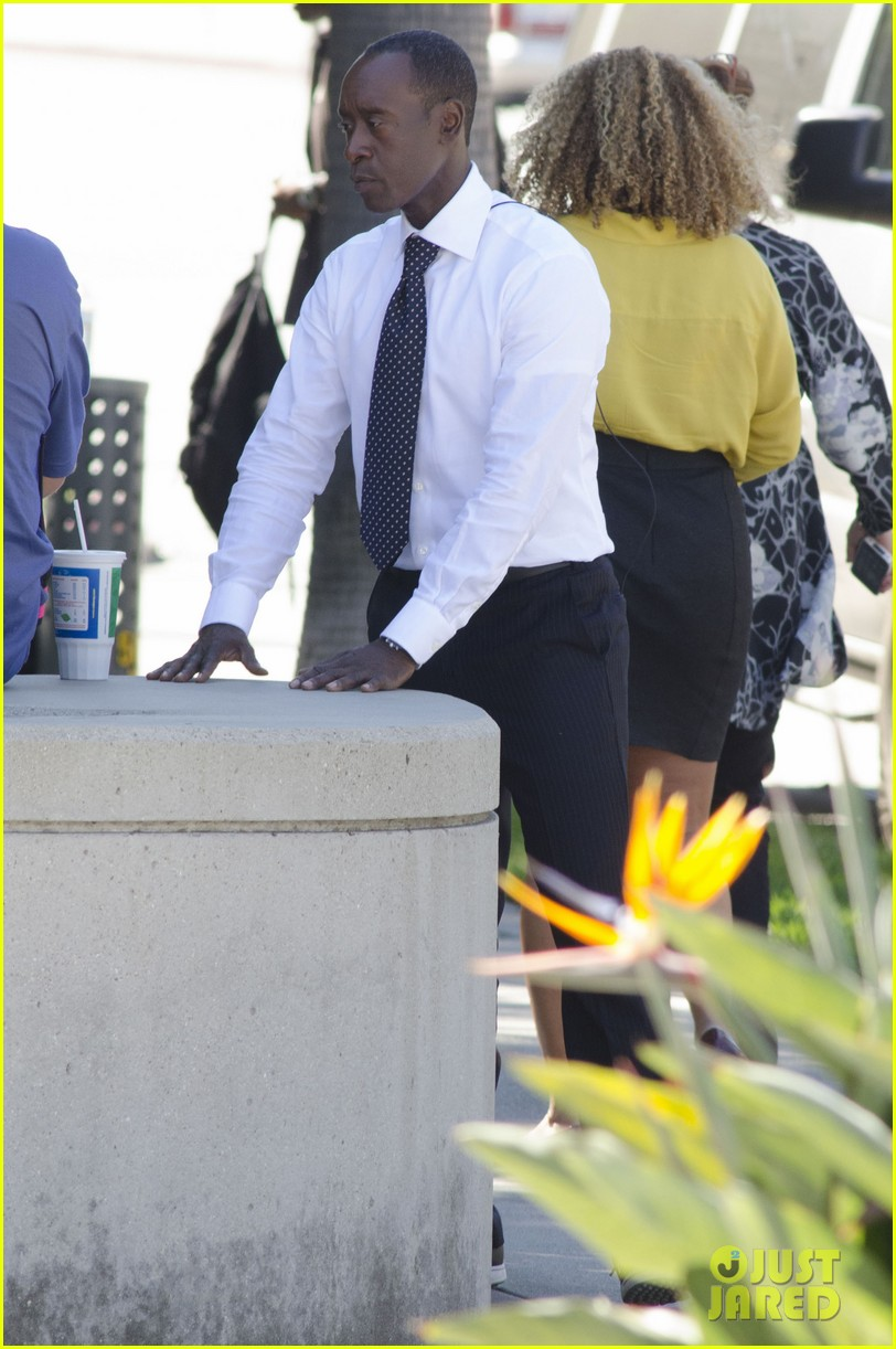 kristen bell films house of lies alongside don cheadle 112968335
