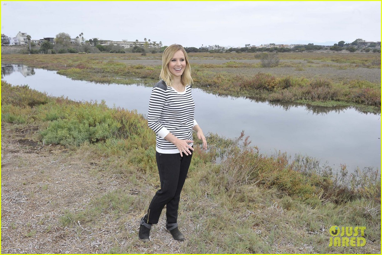 kristen bell im not concerned about my post baby weight 062966729