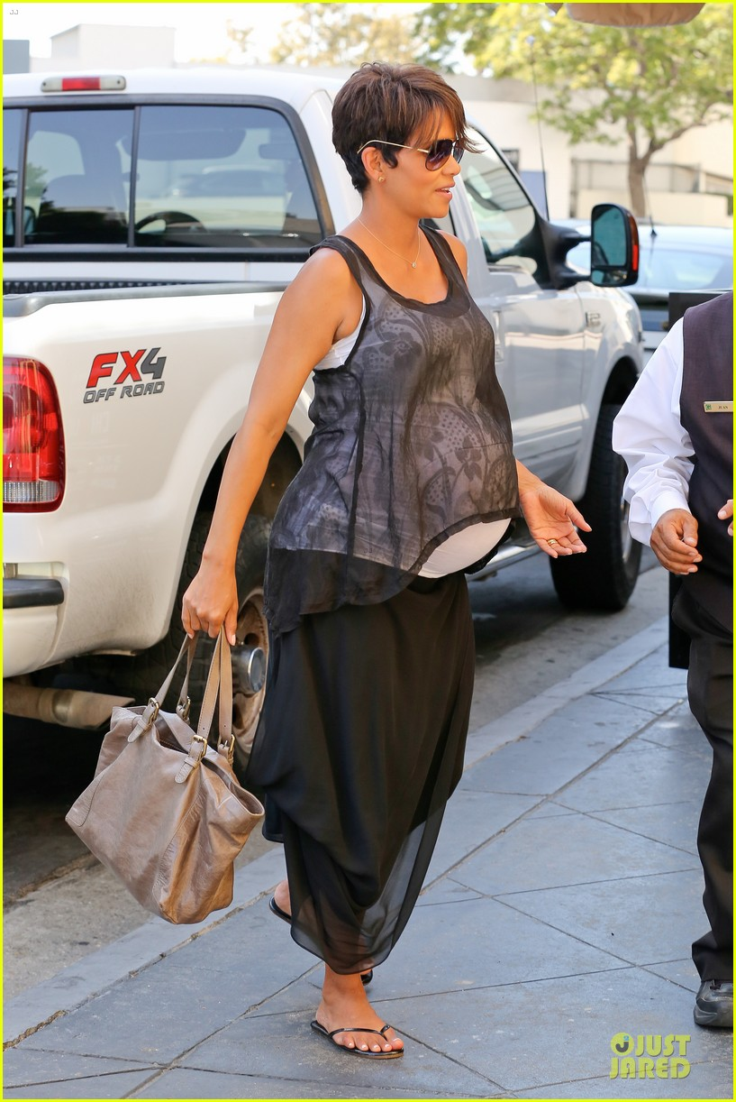 halle berry rivabella ristorante lunch after extant news 102966134