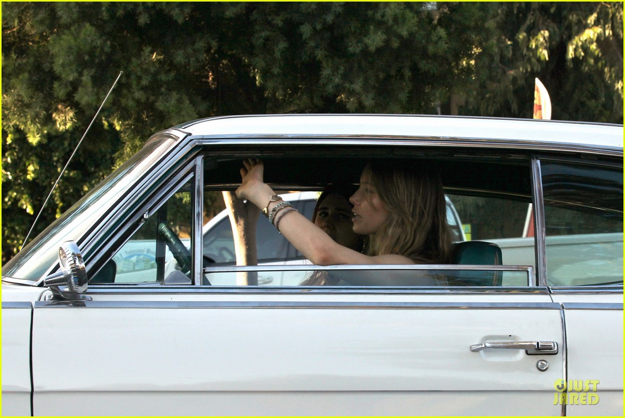 jessica biel zosia mamet car scenes on shiva may set 092977501