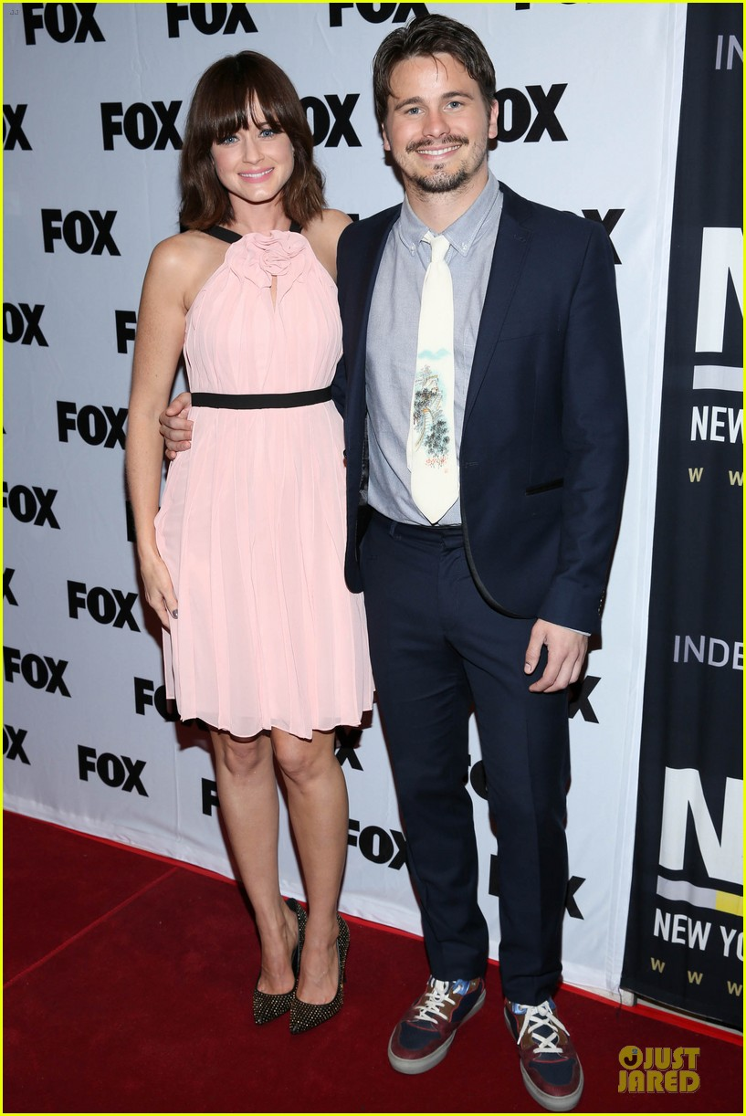 alexis bledel jason ritter us them nyc screening 052977308