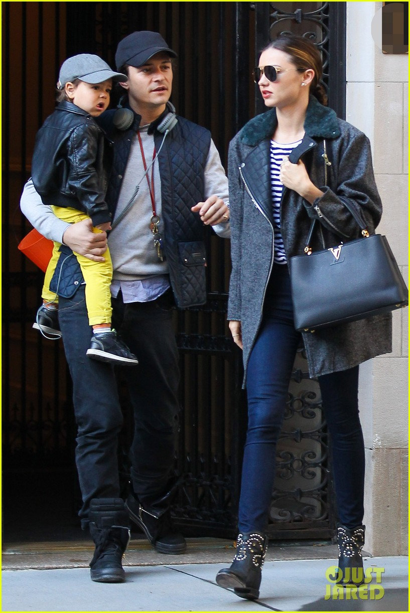 orlando bloom miranda kerr happy halloween with flynn 042981763