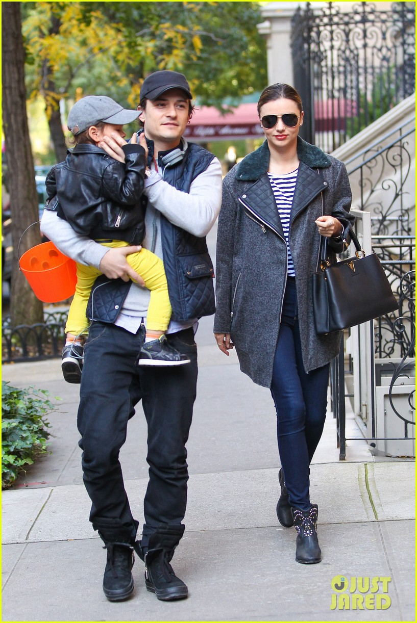 orlando bloom miranda kerr happy halloween with flynn 072981766