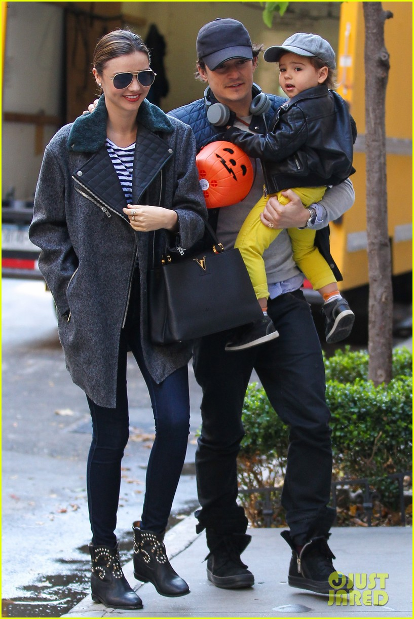 orlando bloom miranda kerr happy halloween with flynn 092981754