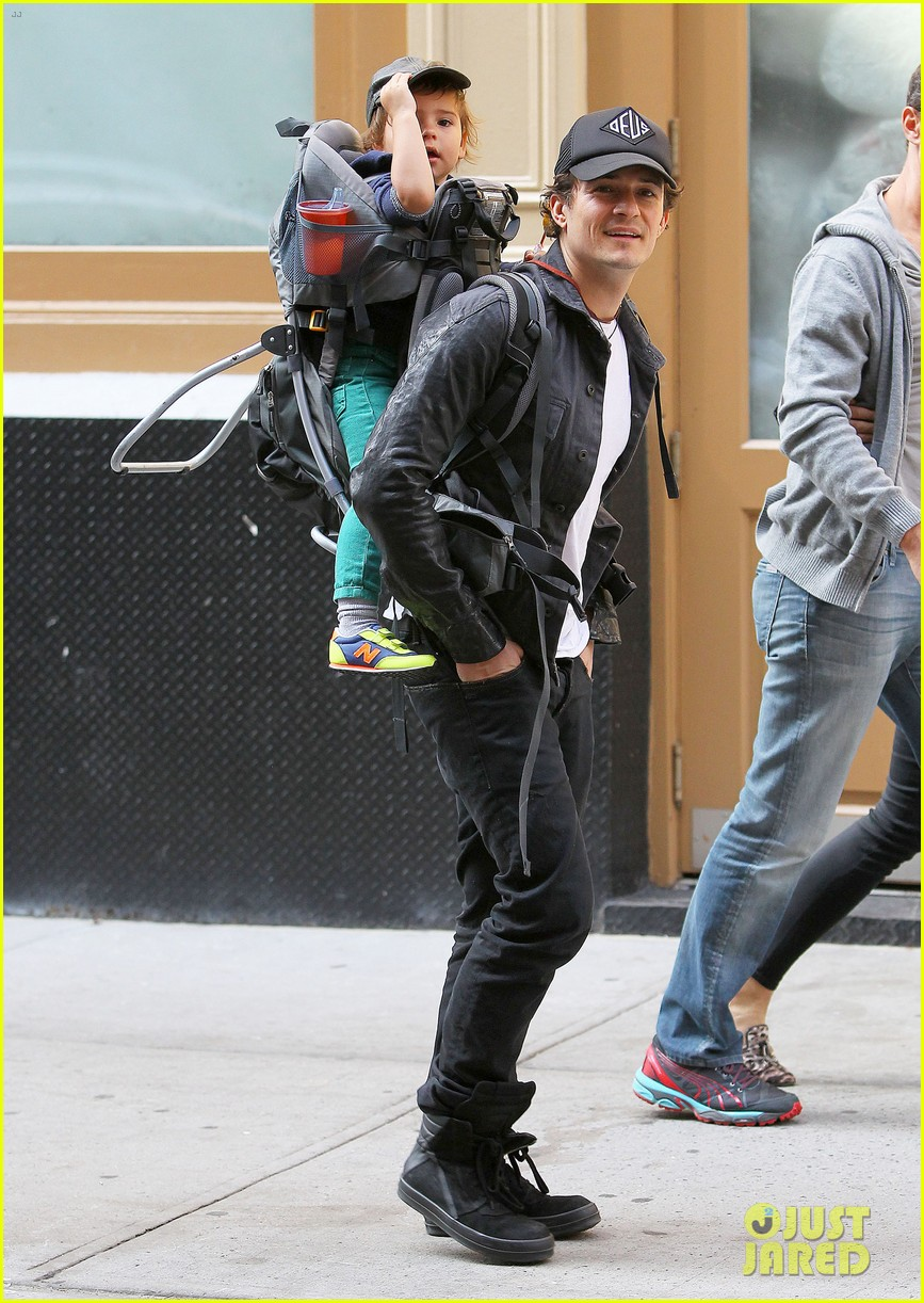 orlando bloom gets his nose picked by son flynn 122971922