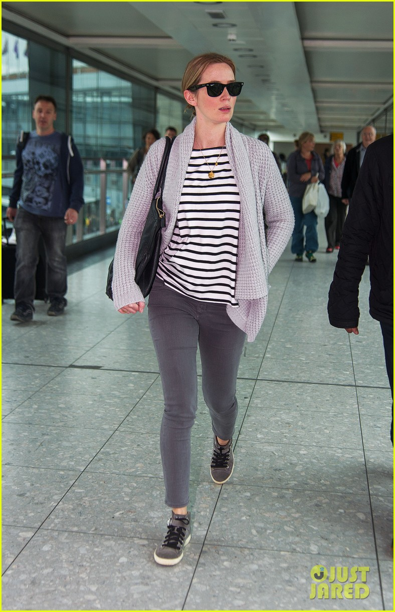 emily blunt into the woods broadway star talks brilliant casting 032971550