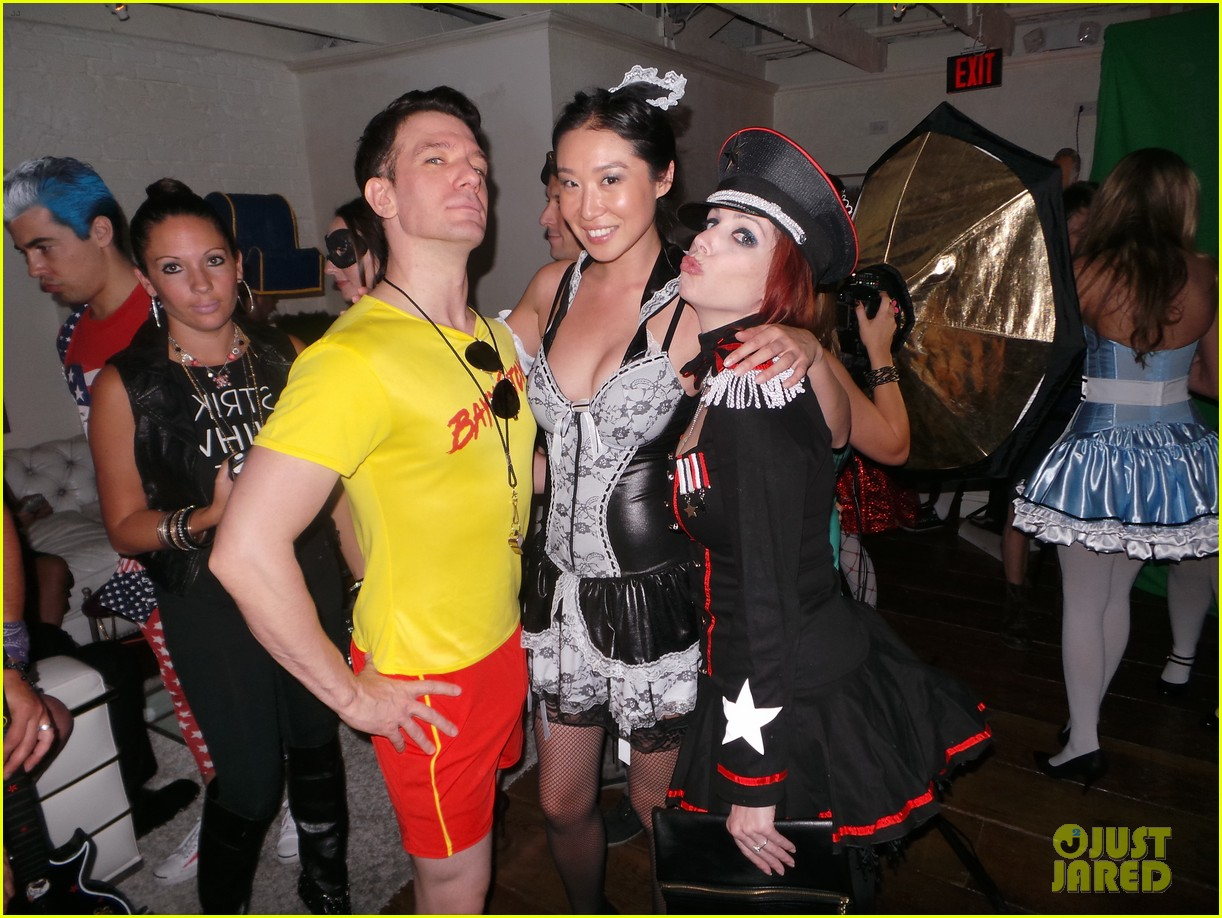 bonnie mckee jc chasez matthew morrison halloween party 032981310