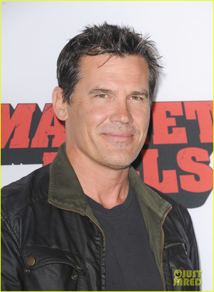 josh brolin works out attends machete kills premiere 022965751