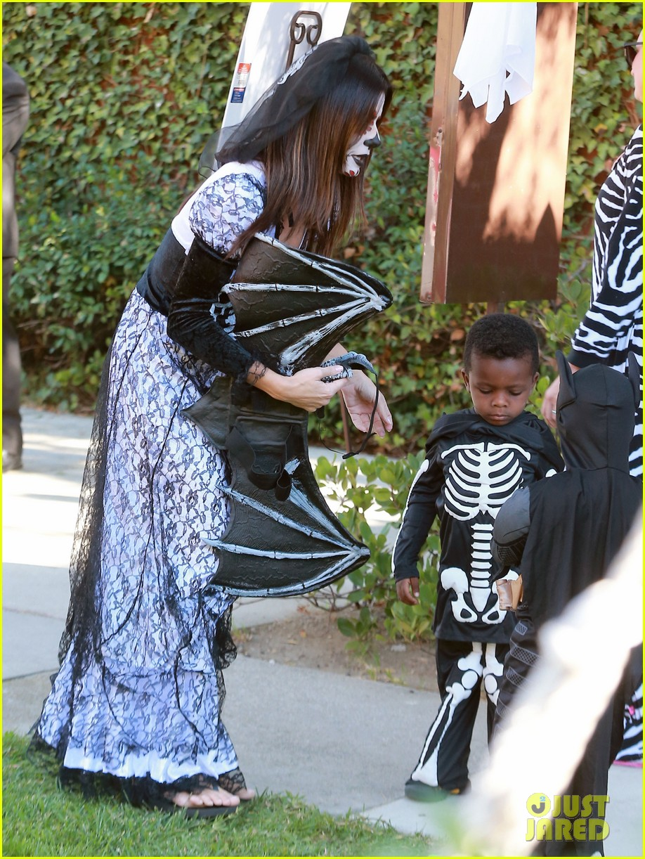 sandra bullock goes spooky for halloween party with louis 032975120