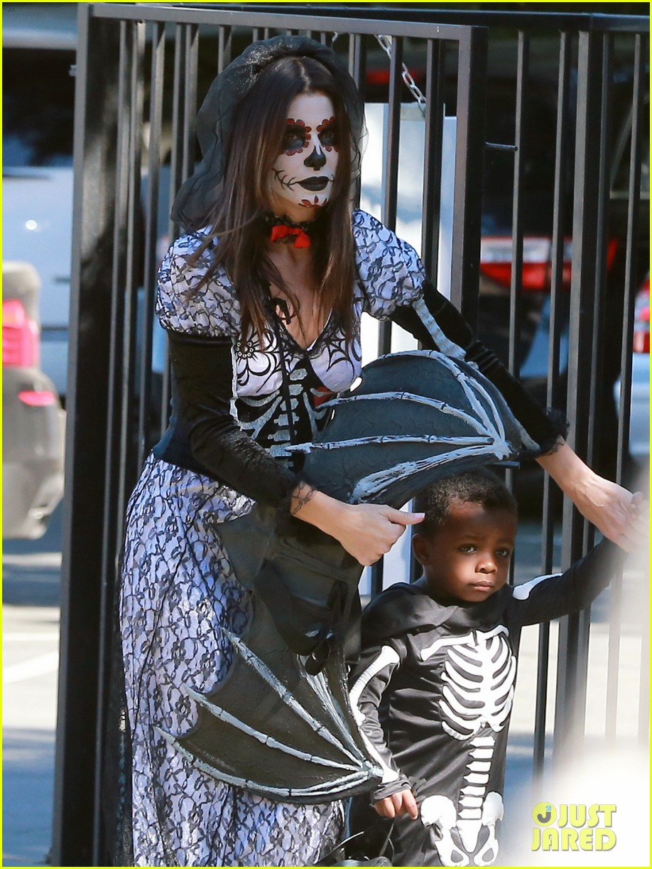 sandra bullock goes spooky for halloween party with louis 082975125