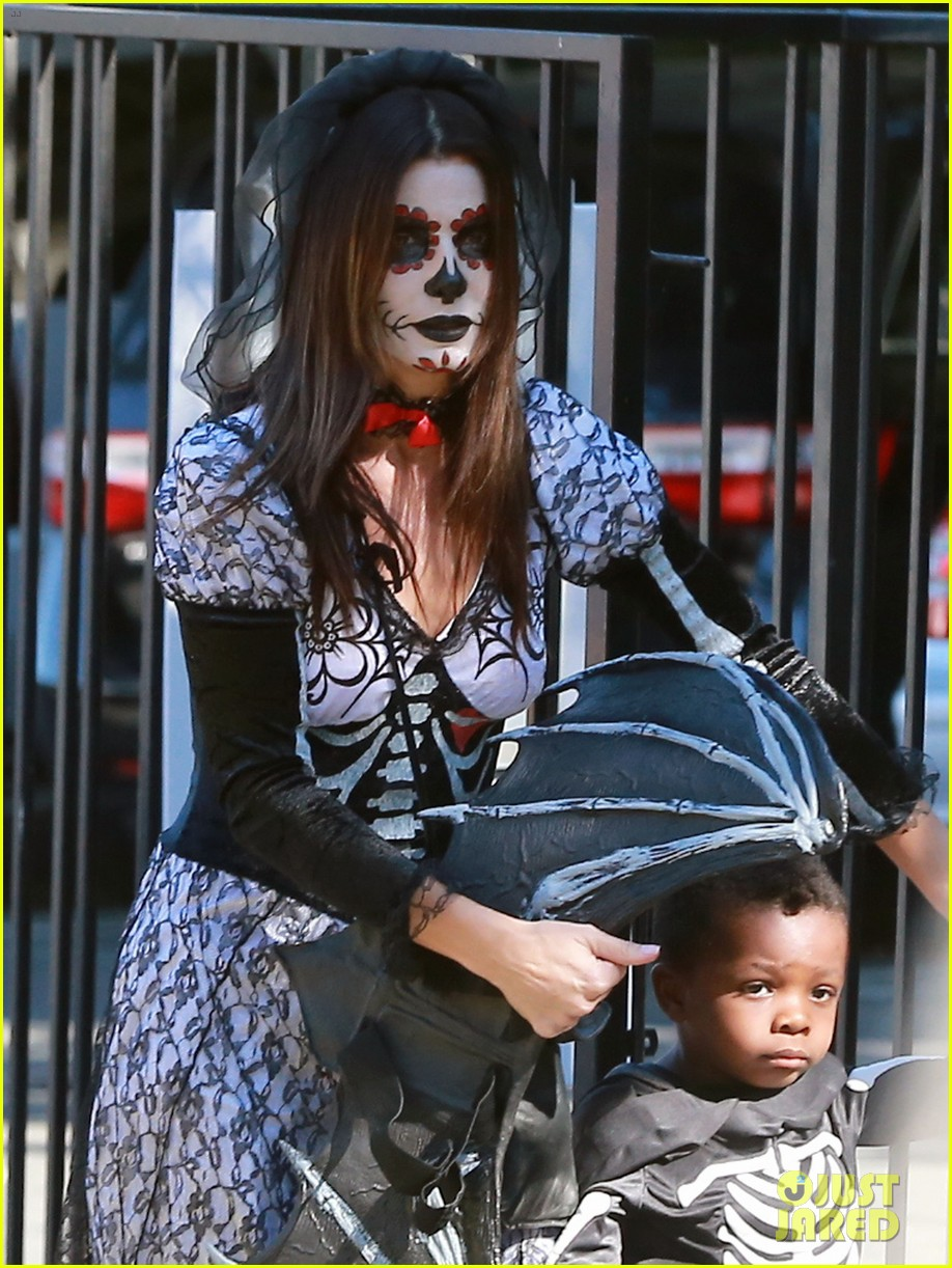 sandra bullock goes spooky for halloween party with louis 092975126