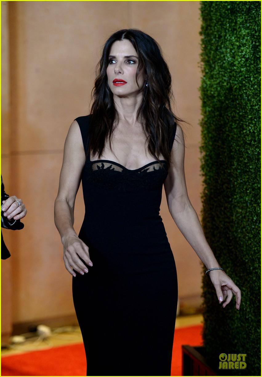 sandra bullock olivia munn hollywood film awards 2013 322976651