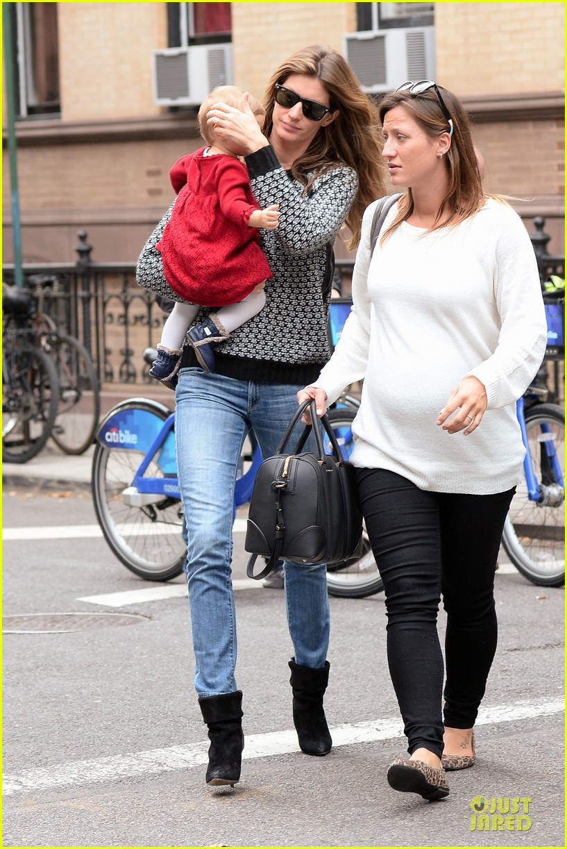 gisele bundchen vivian big apple shopping duo 012974942