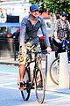 gerard butler camouflages bike ride in nyc 07
