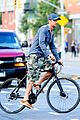 gerard butler camouflages bike ride in nyc 11