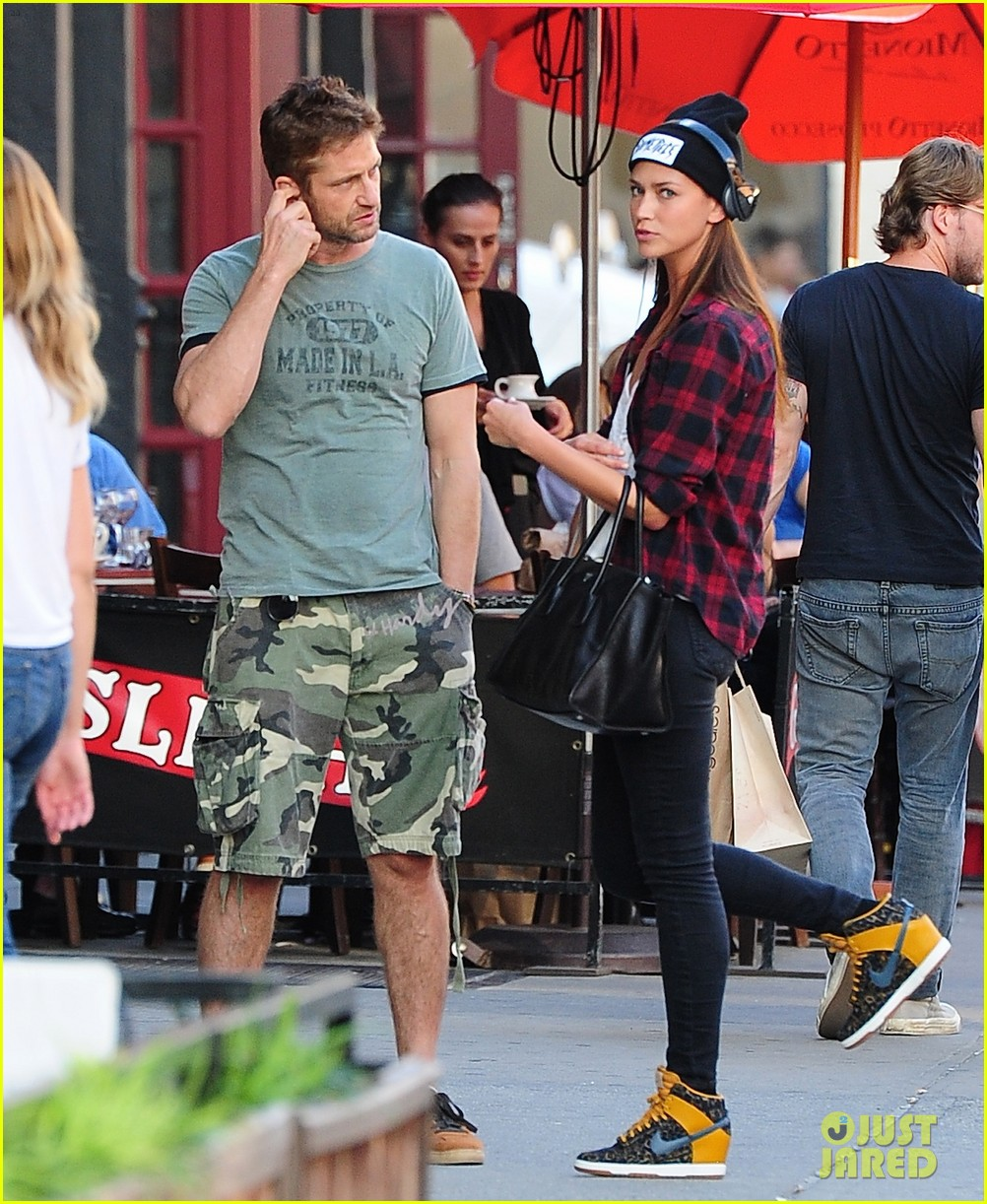 gerard butler meets up with gal pal in the meatpacking district 052965860