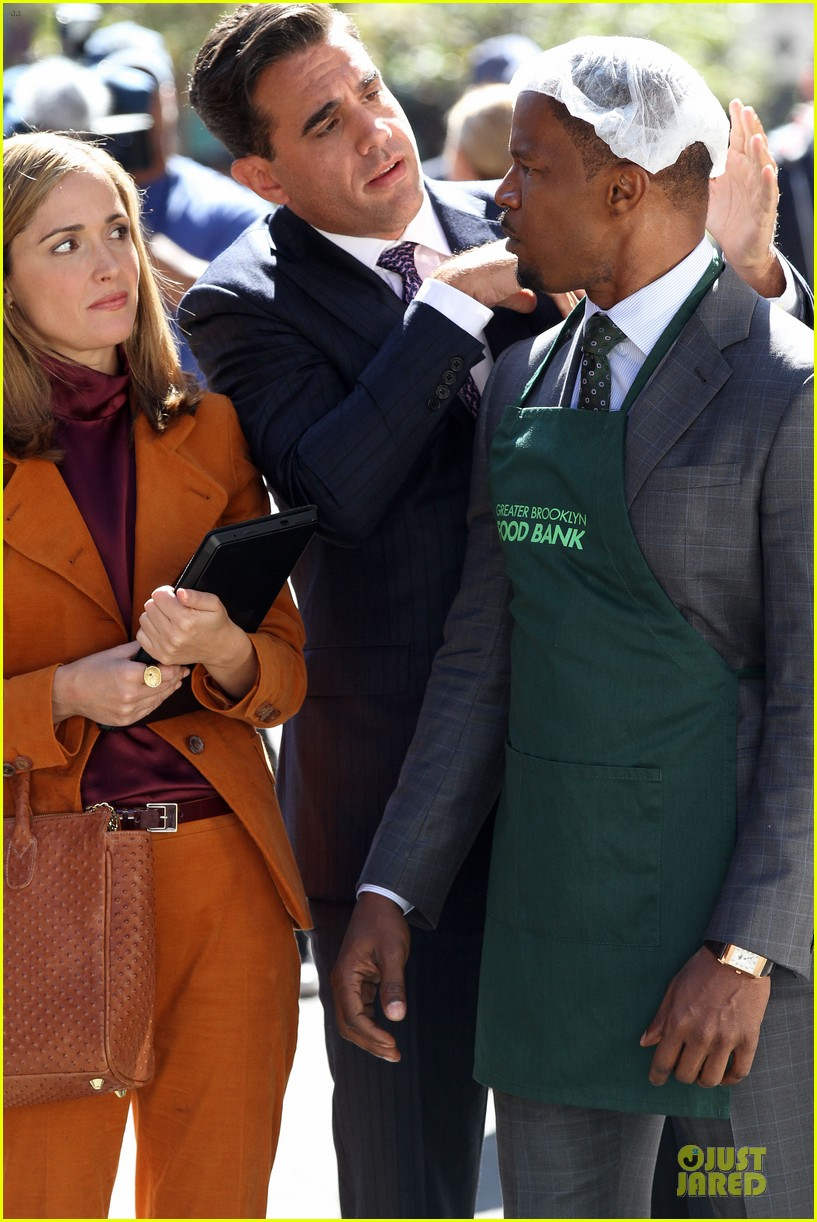 rose byrne bobby cannavale annie set with jamie foxx 02