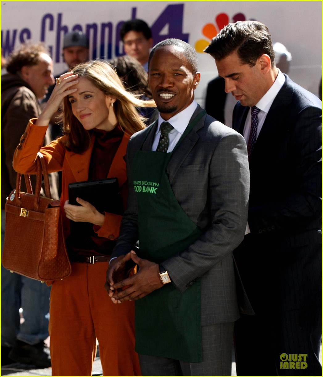 rose byrne bobby cannavale annie set with jamie foxx 042964062