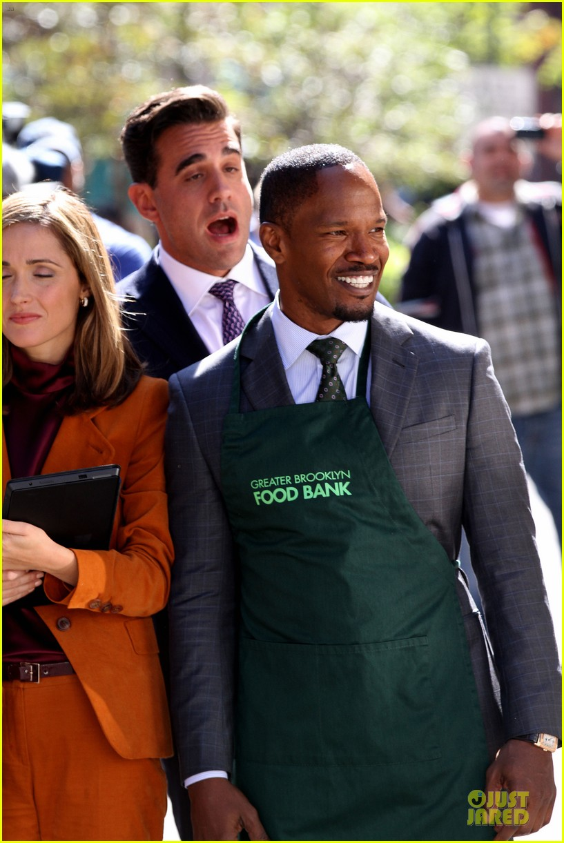 rose byrne bobby cannavale annie set with jamie foxx 072964065
