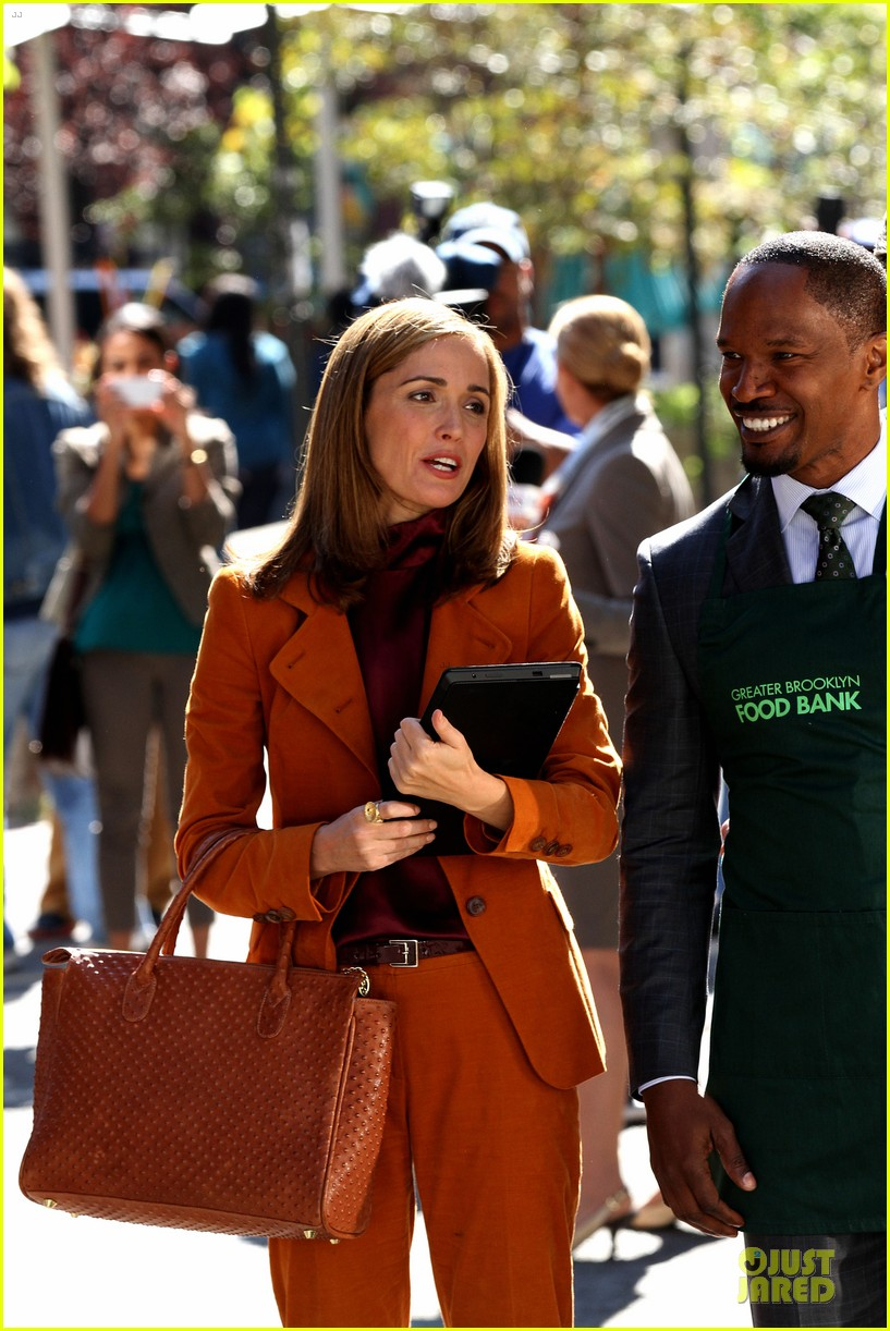 rose byrne bobby cannavale annie set with jamie foxx 082964066