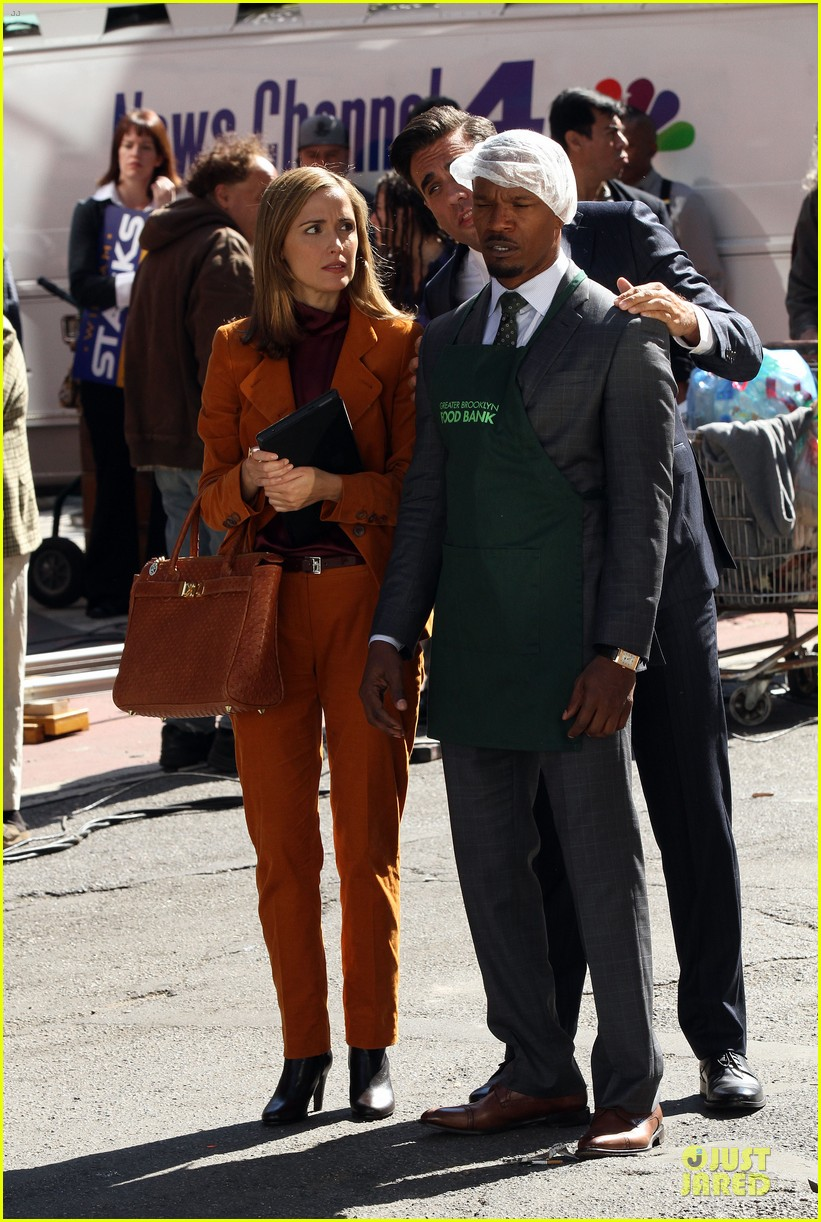 rose byrne bobby cannavale annie set with jamie foxx 092964067