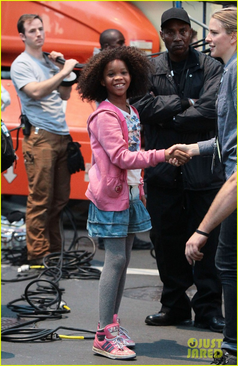 rose byrne quvenzhane wallis film annie before weekend 052975455