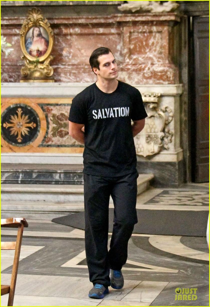henry cavill rome sightseeing salvation stud 032964056