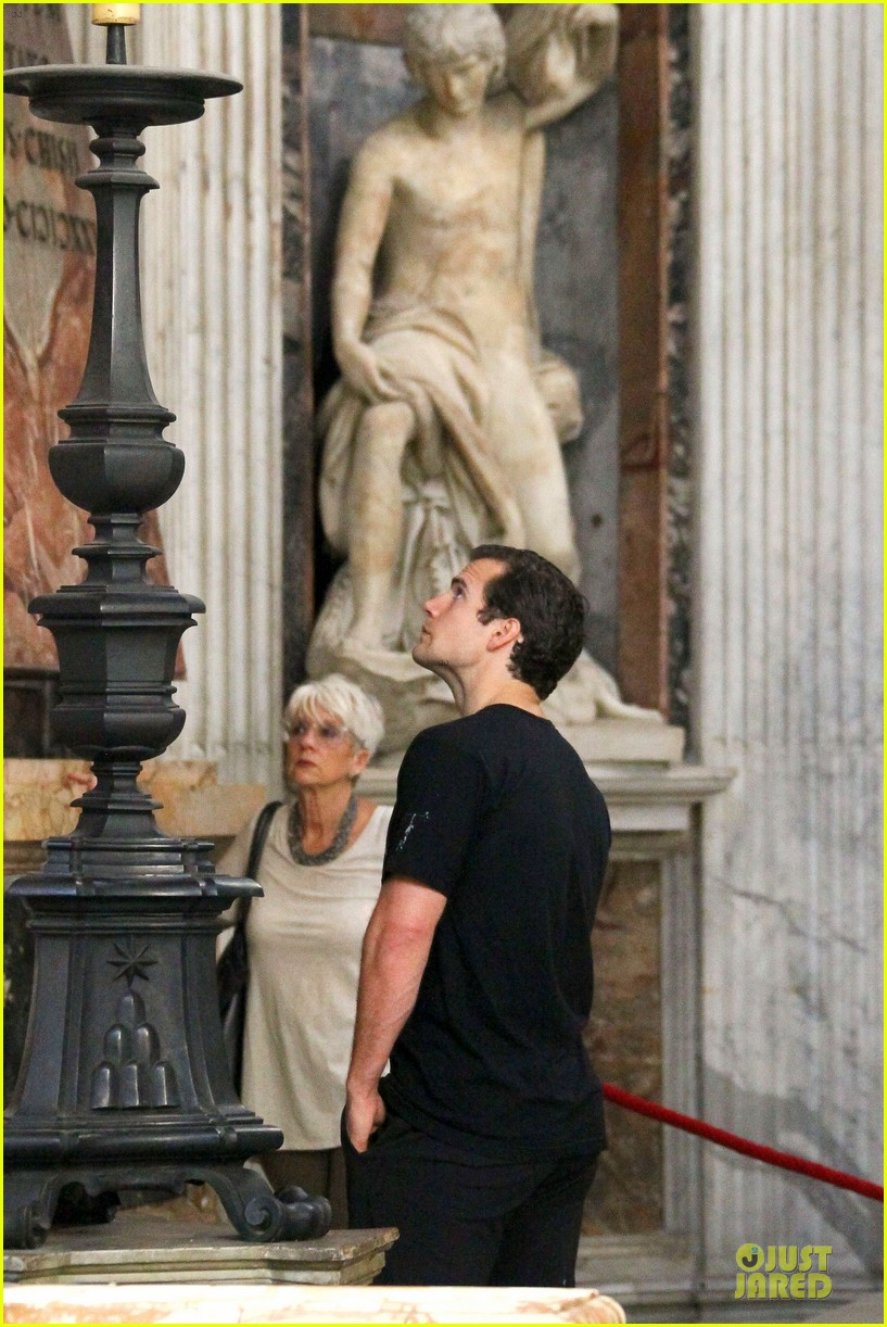 henry cavill rome sightseeing salvation stud 042964057