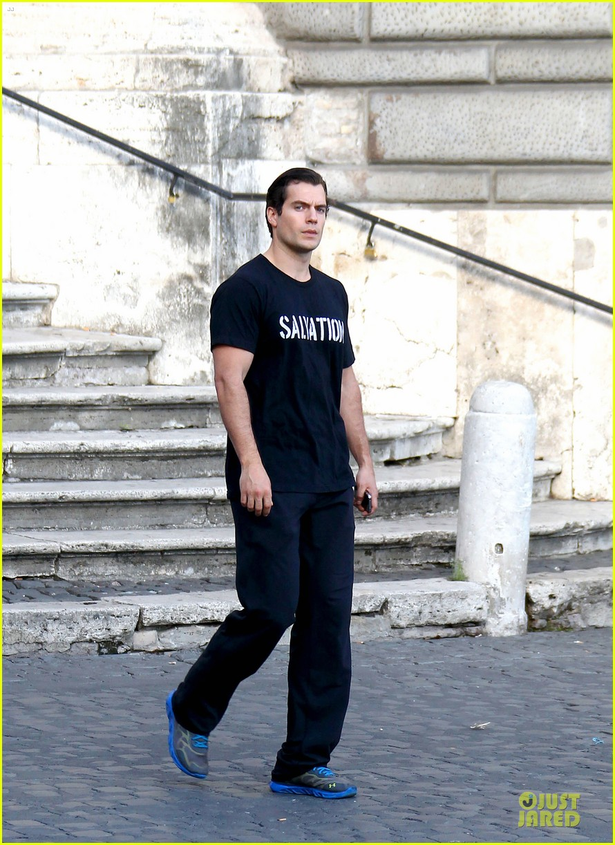 henry cavill rome sightseeing salvation stud 052964058
