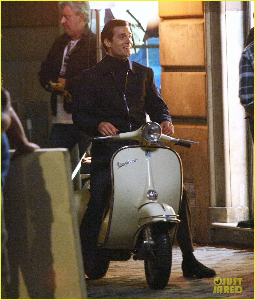 henry cavill armie hammer vespa ride for uncle 042965816