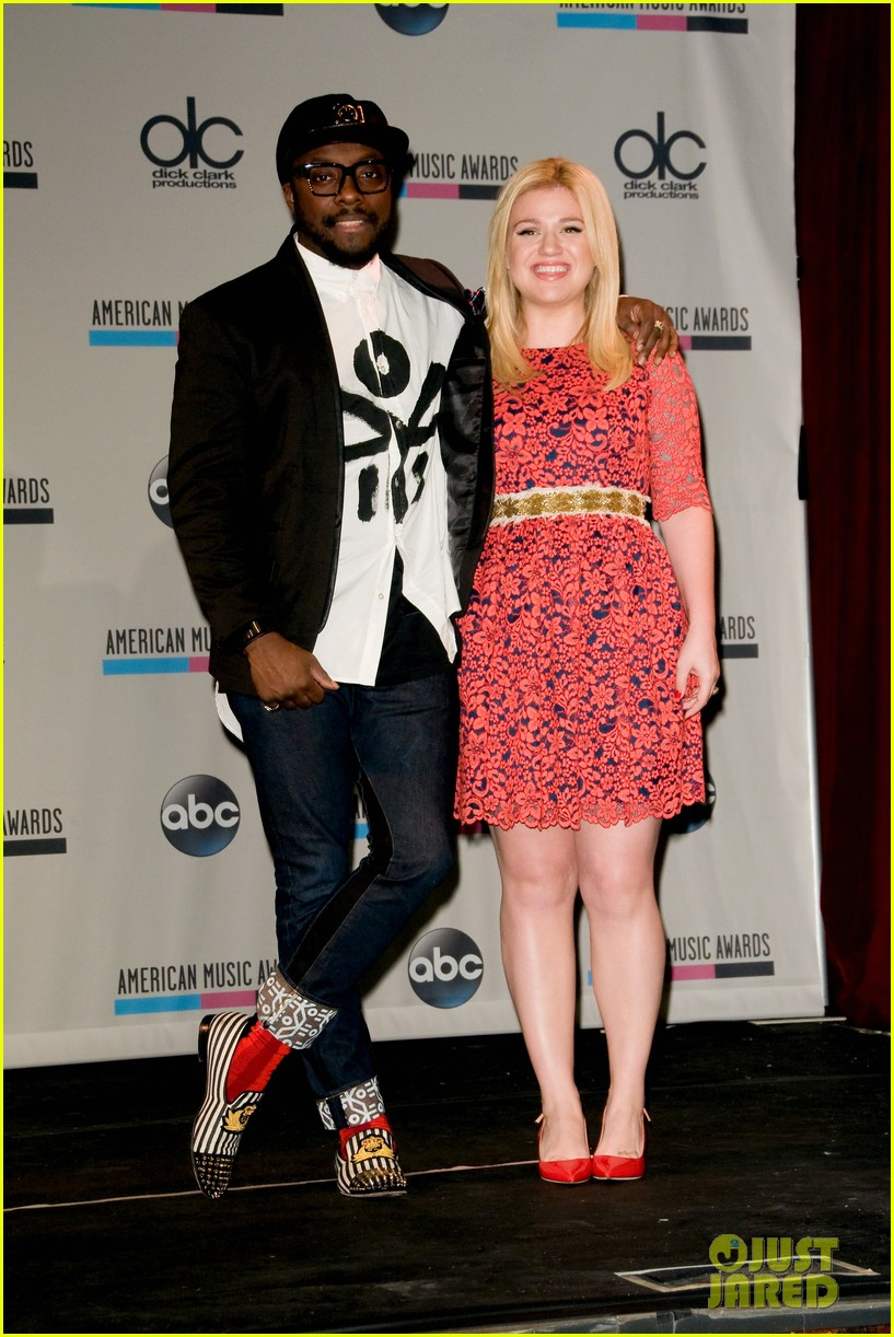 kelly clarkson william announce american music awards nominations 112969622