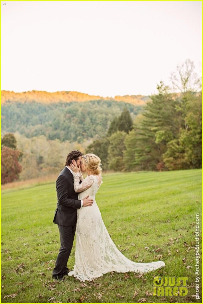 kelly clarkson wedding photos with brandon blackstock 012976384
