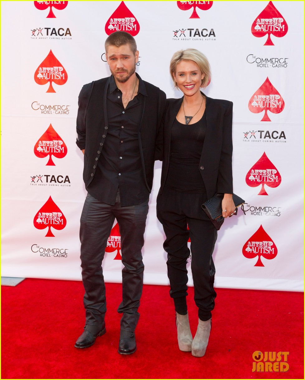 chad michael murray nicky whelan ante up for autism 022971490