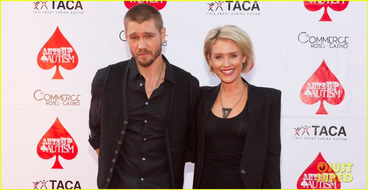 chad michael murray nicky whelan ante up for autism 042971492