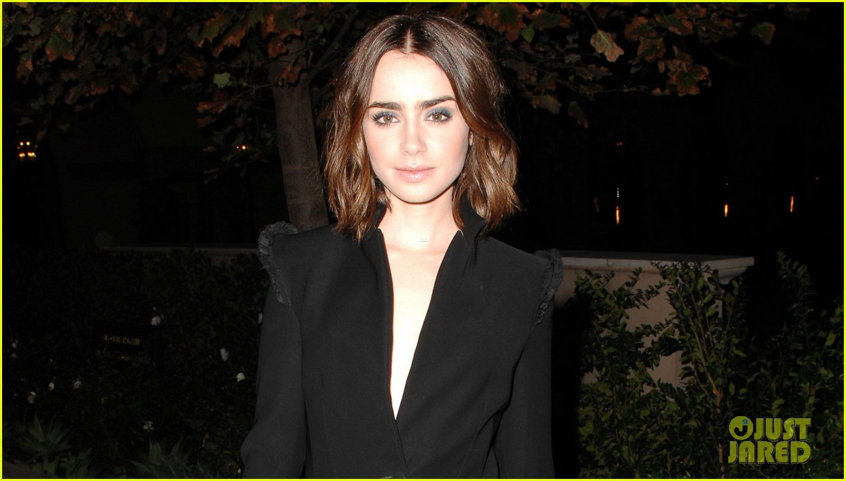lily collins jessica pare vogue cfda fashion fund dinner 042978351
