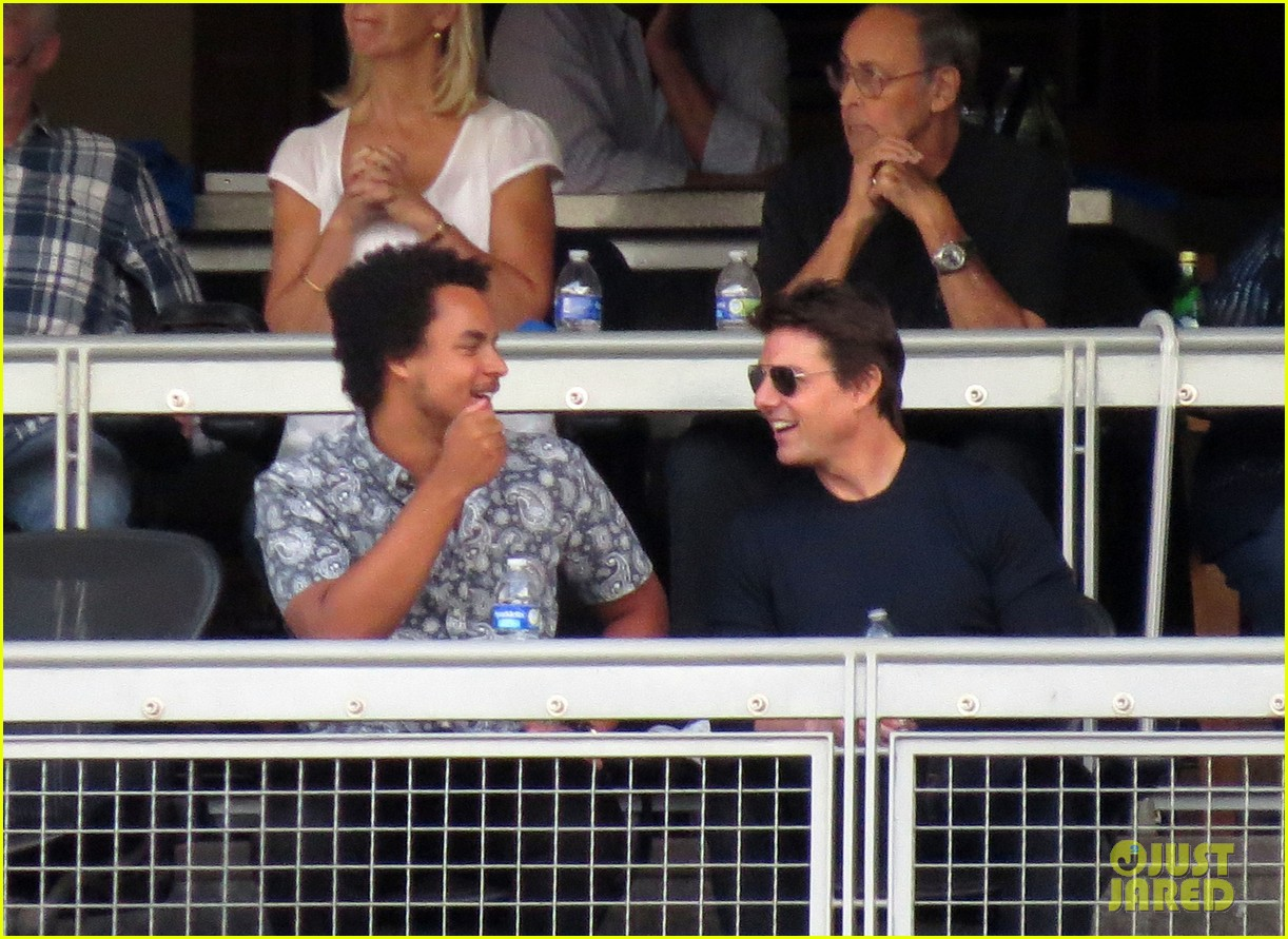 tom cruise dodger game with son connor 022972863