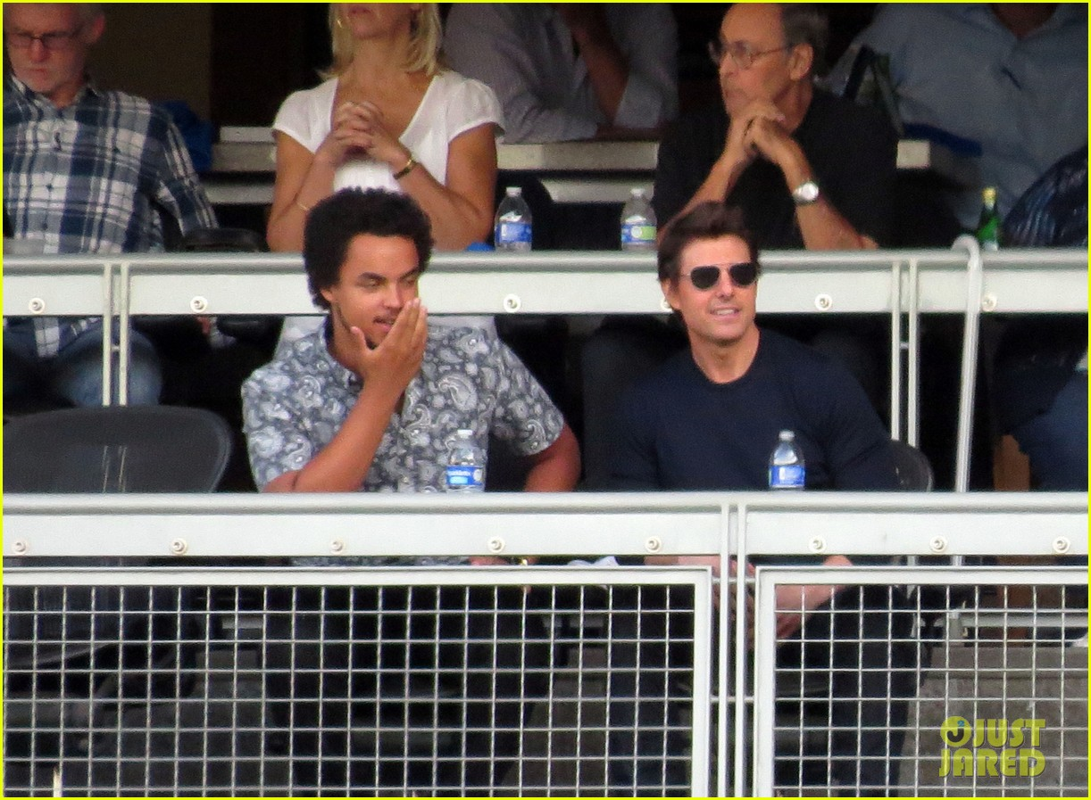 tom cruise dodger game with son connor 04