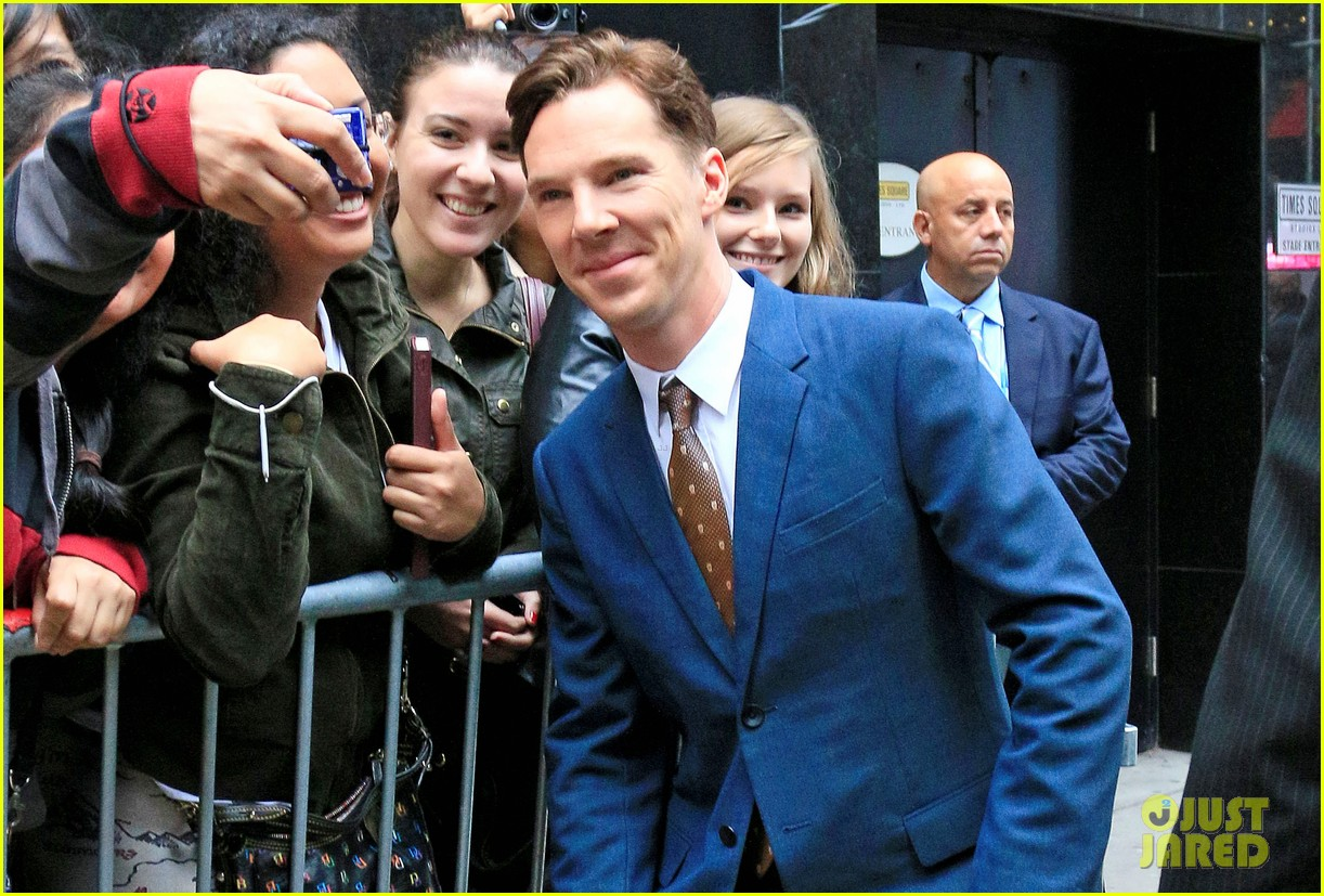 benedict cumberbatch discusses julian assanges letter on gma 022970125
