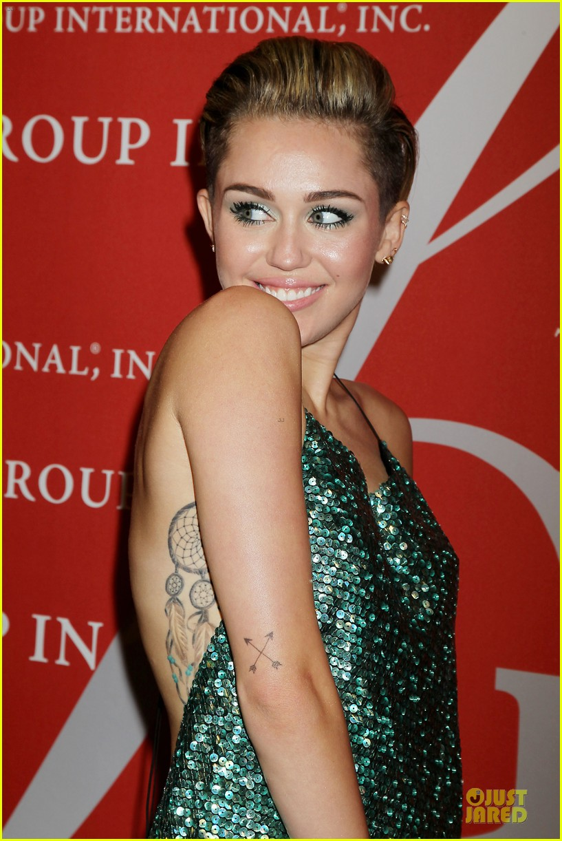 miley cyrus dazzles the night of stars gala 2013 042977223