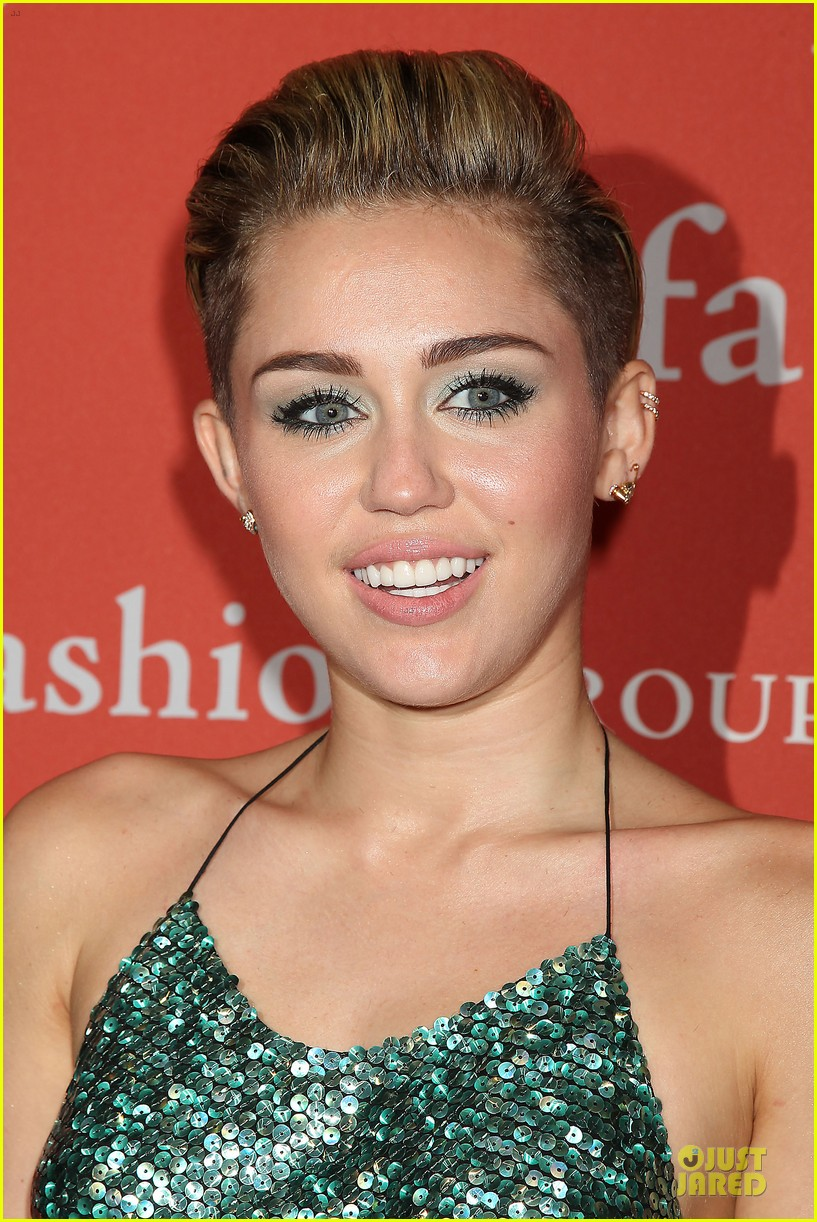 miley cyrus dazzles the night of stars gala 2013 112977230