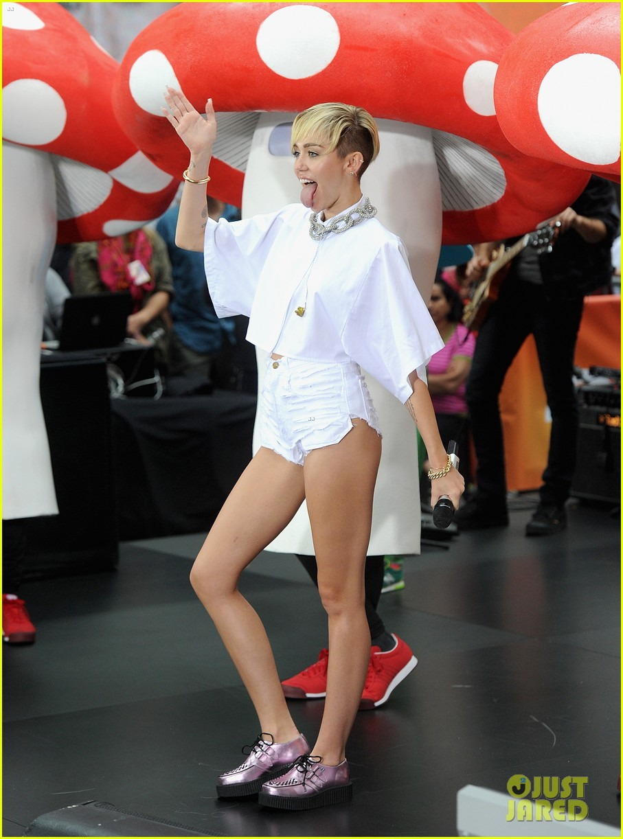 miley cyrus today show performance videos pics 082967756